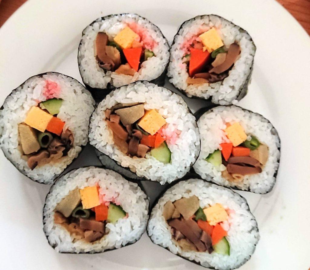 巻き寿司レシピ・巻き寿司の作り方のコツは簡単!真ん中に具がくる方法!