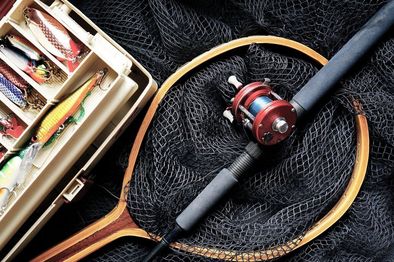 宅配買取で釣具を売るなら「JUST BUY」誰にも会わずに現金化可能!